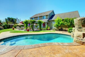 How to Choose the Best Pool Shape for Your Backyard